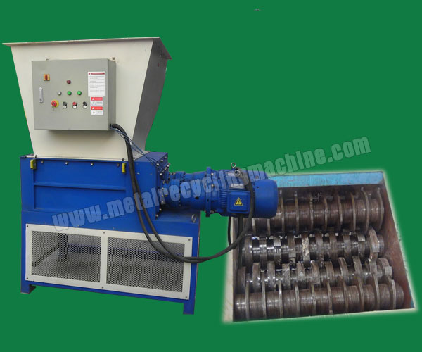 four-shaft shredder machine